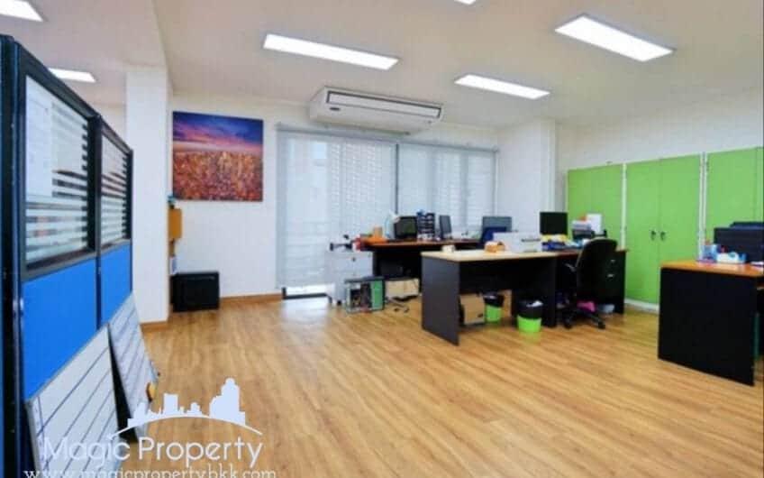 Home Office for rent Ekkamai Ramintra Road