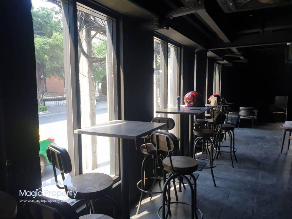 Park Avenue Commercial Space For Rent on Main road Soi Sukhumvit 63 (Ekkamai) Near Don Donki Mall