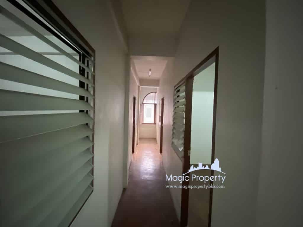 Commercial Building For Sale at Soi Sukhumvit 38(Saen Sabai 8), Phra Khanong, Khlong Toei, Krung Thep Maha Nakhon 10110 2 Buildings For Sale