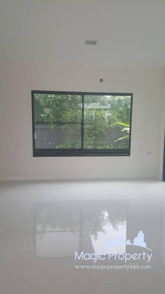 4 Bedrooms Single House For Sale in Manthana Srinakarin Bangna Located at Namdaeng - Bangplee Road, Tambon Bang Kaeo, Amphoe Bang Phli, Samut Prakan 10540..
