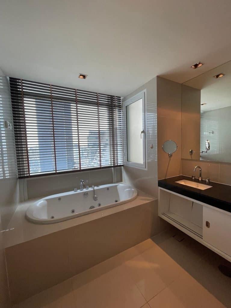 3 Bedroom For Rent in Athenee Residence Condominium, Lumphini, Pathum Wan, Bangkok