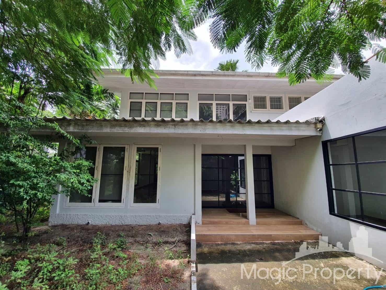 Single House For Rent at Sukhumvit 14, Khlong Toei, Bangkok